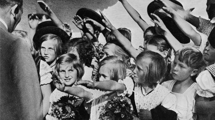 Sin identidad - Programa Lebensborn, la cruel búsqueda de la raza humana perfecta