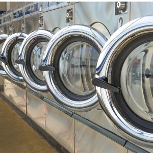 laundry-shop-picture-id617735318