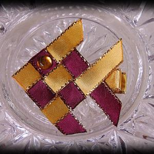 Woven Fish Ribbon Sculpture Wine Gold Satin Glitter 1