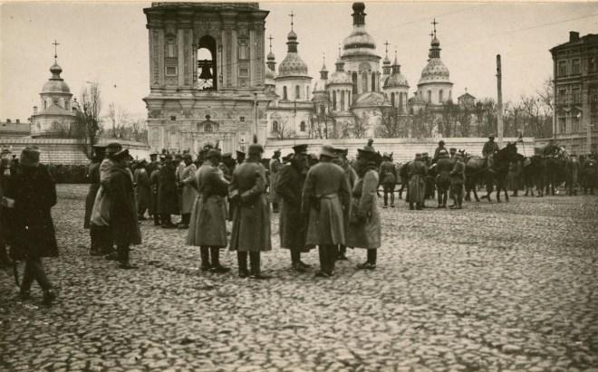 Встреча немецких офицеров в Киеве /humus.livejournal.com