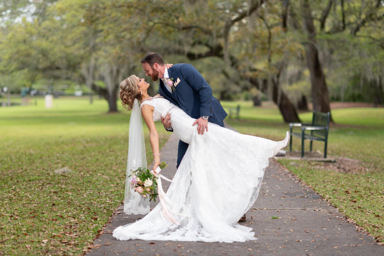 Dip back for a kiss - Brookgreen Gardens