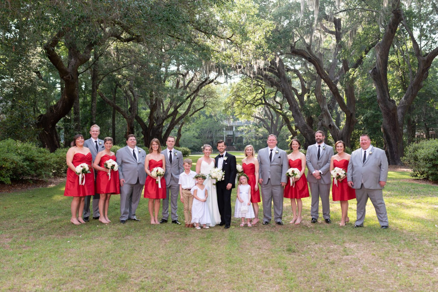 Wedding party under the oak trees - Wachesaw Plantation
