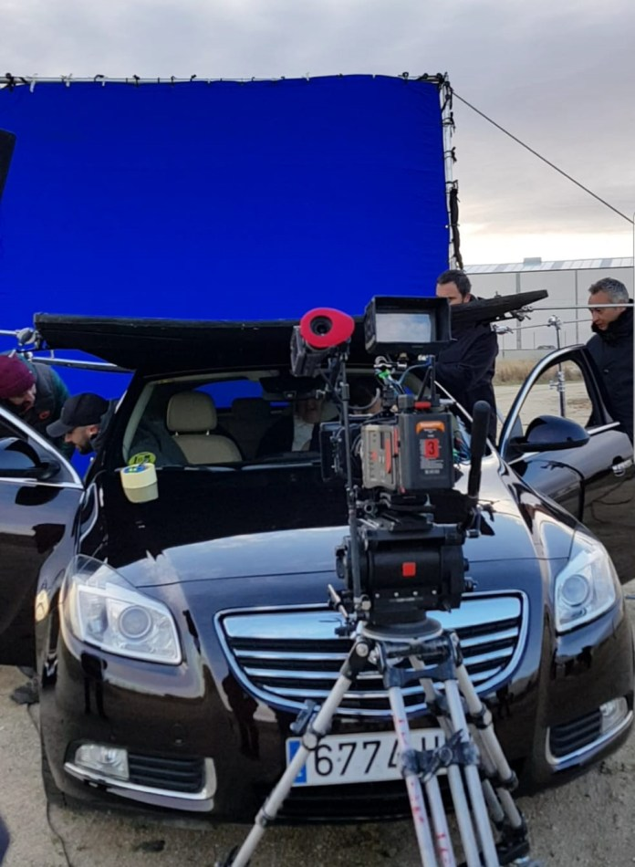 coche de escena vehiculo de escena coche de rodaje vehiculo de rodaje alquiler coche alquiler coche de escena alquiler coche de rodaje actual rodaje seri 15 750x1024 - ✔️✔️Alquiler de vehículos de escena y rodajes.