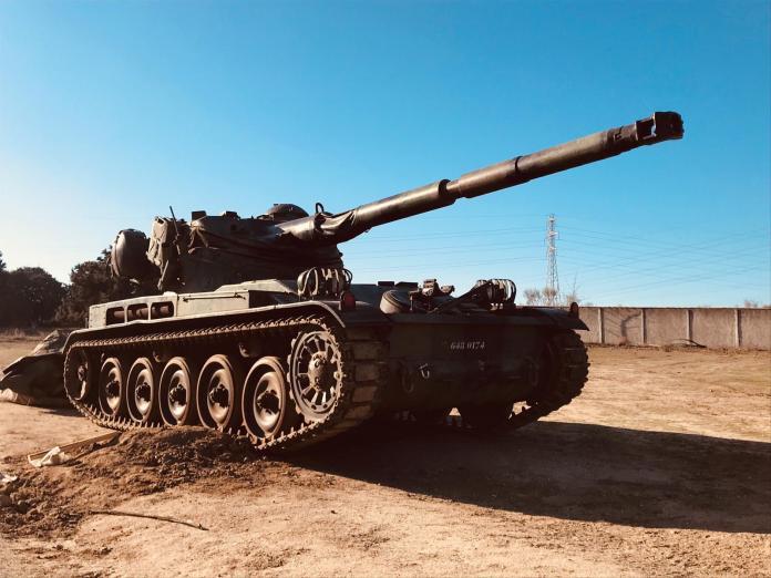 Tanque 1024x768 - Alquiler de vehículos militares, alquiler de camiones de bomberos.