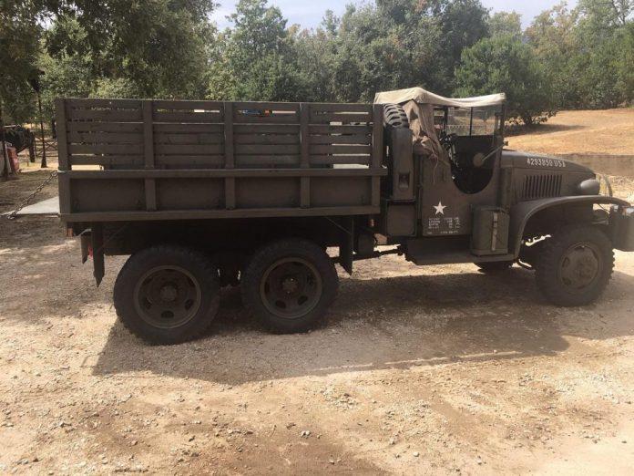 Vehículos de escena alquiler de coches alquiler de camiones vehículos militares tanque JeepHummer 4x4 militar atrezzo militar coches para cine 6 1024x768 - Alquiler de vehículos militares, alquiler de camiones de bomberos.