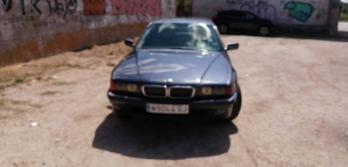 BMW alquiler coches de escena vehiculos de escenacoches para alquilar coches clasicos film car cesion de coches 1 - Alquiler coches clásicos para rodajes y eventos.
