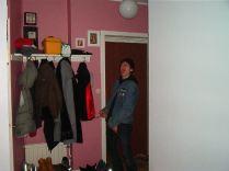 November, 2002. I min storasysters lägenhet på Kocksgatan i Stockholm.