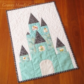Castle quilt, pattern by Blossom Heart Quilts