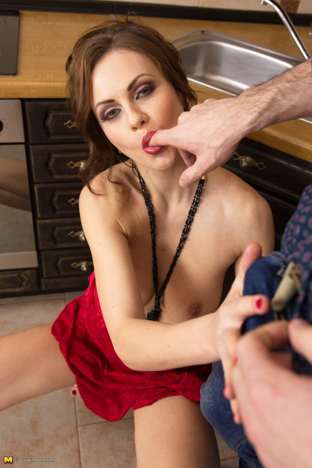 Lesbain Porn Vids Mature Savanna Taft Hot Mom Anal