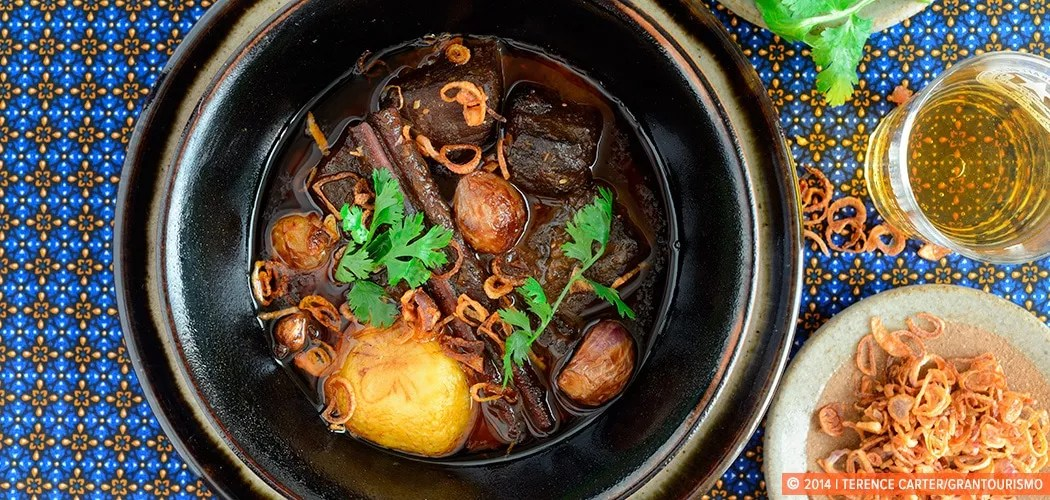 Thai Beef Massaman Curry. Copyright 2014 Terence Carter / Grantourismo. All Rights Reserved.