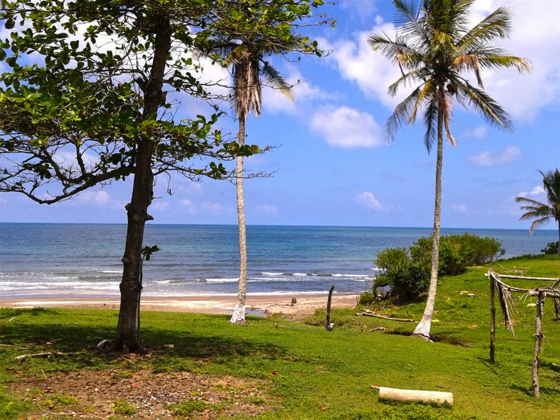 vista de la playa de Barra de Cazones