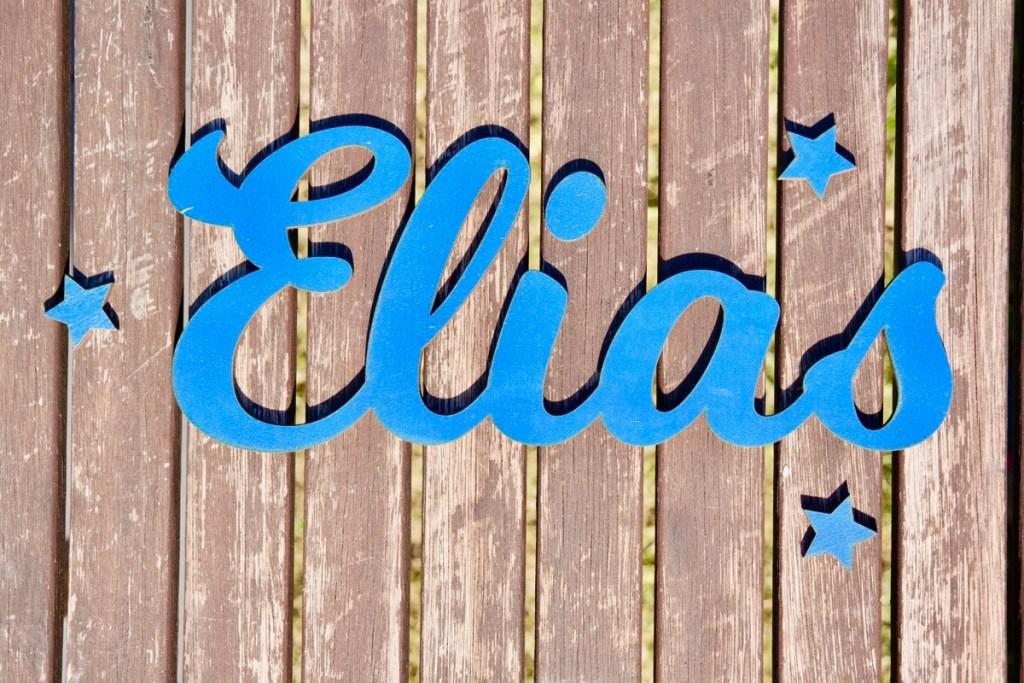 Dekoration Individueller Schriftzug aus Holz Azurblau