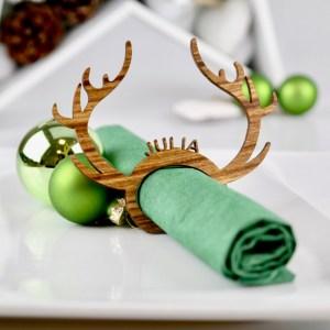 """Tischkarten Edle Tischkarten für Weihnachten """"Rudolph"""" aus lasiertem Holz – Platzkarten Namensschilder Geweih"""