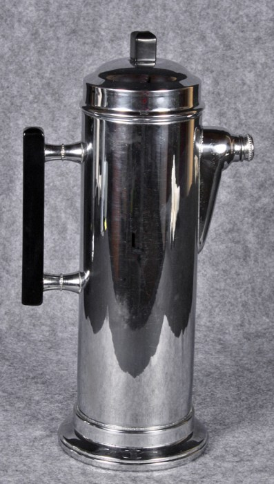 1930s chrome-plated cocktail shaker