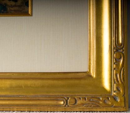 Frame corner profile
