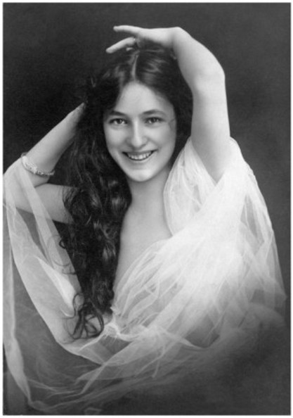 004-evelyn-nesbit-theredlist
