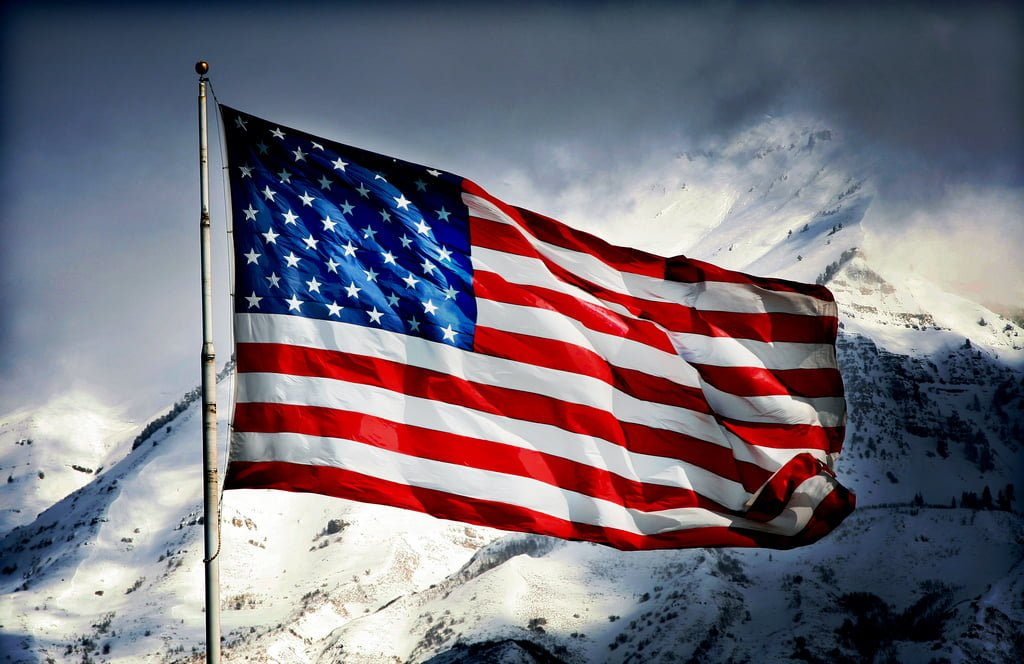 Large American Flag Stolen In Siglufjörður Returned By Milkman