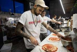 Pizza Perfection: Iceland's First Napoli-Style Pizzeria Delivers