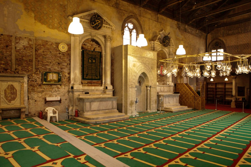 """Life Imitating Art: Iceland's """"Mosque"""" Installation In Venice"""