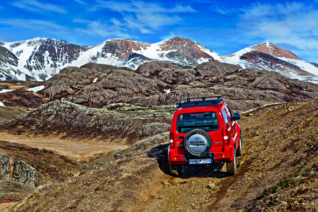 Top Tips for Driving Safely in Iceland