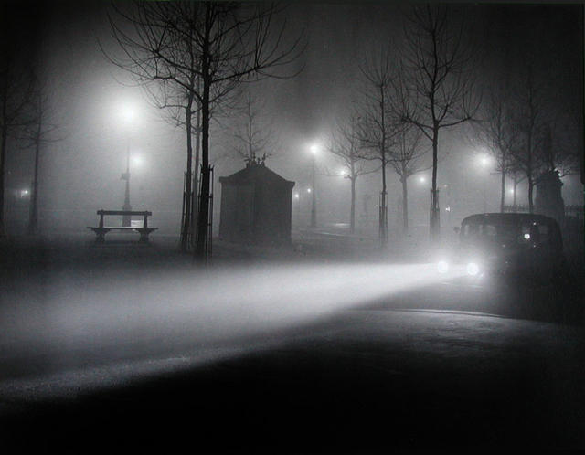 1934-brassai-foggy-paris_l.jpg