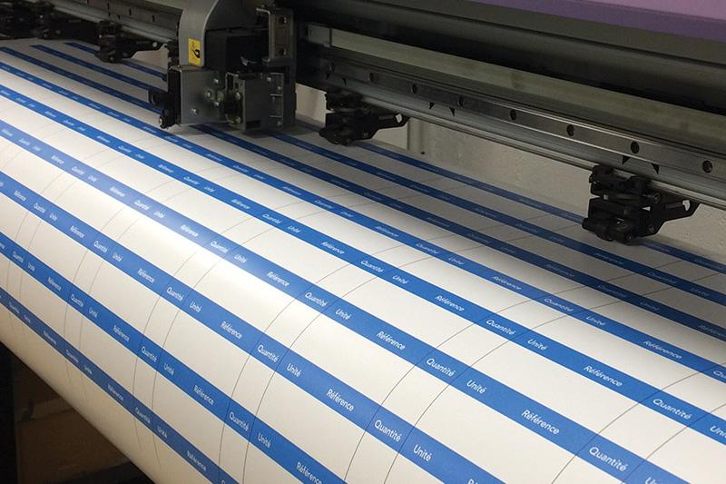 fabrication impression sticker étiquette adhésif publicité communication nantes bouguenais