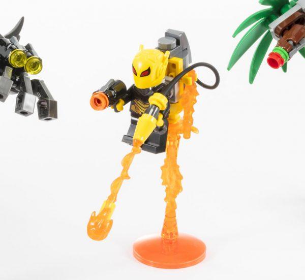 SDCC 2018: LEGO Reveals the Batman Mech vs  Poison Ivy Mech Out in