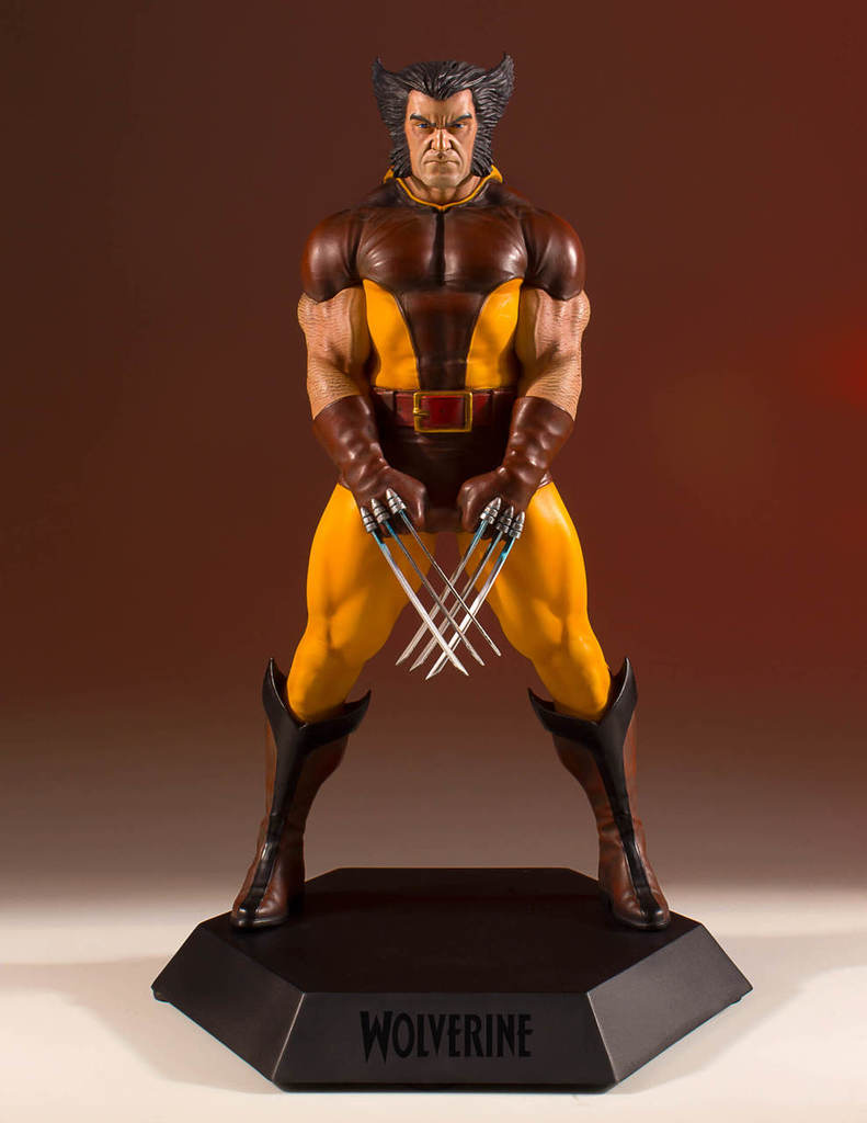 Marvel Comic Collector's Gallery Wolverine '80 Brown Costume Statue