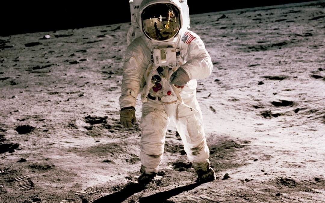 Buzz Aldrin Apollo 11 on moon