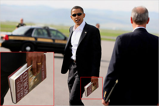 Obama carrying Zakaria's book, in 2008 - NY Times photo by Doug Mills