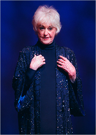 Bea Arthur, 'Golden Girls' Star, Dies at 86