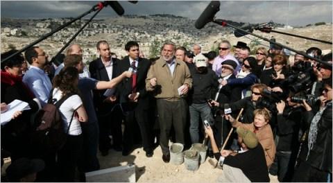 Dov Hikind, Jewish racist and agent provocateur for Jewish-Muslim holy war (Rita Castelnuovo)