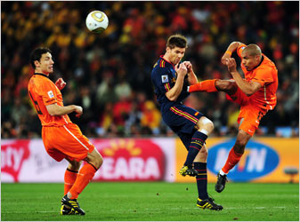 fifa world cup final 2010 foul