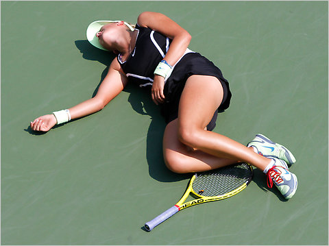 Victoria Azarenka of Belarus collapsed at the United States Open while trailing Gisela Dulko of Argentina, 5-1, in the first set. She was taken off the court in a wheelchair.