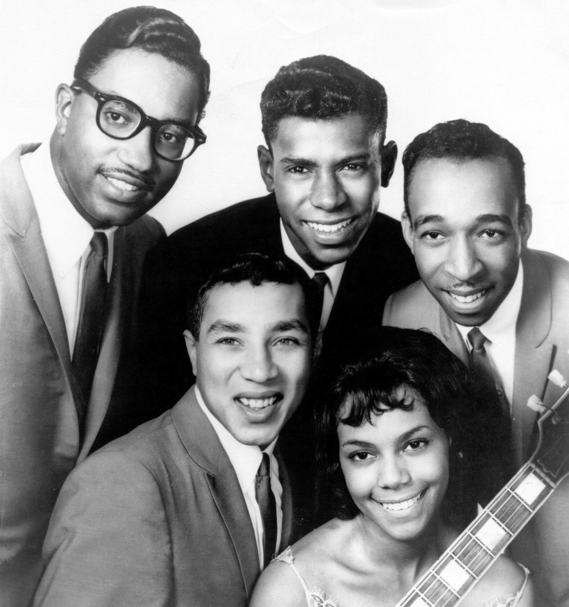 Bobby Rogers Dies At 73 Sang In Smokey Robinsons