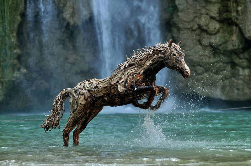 Best Carvings On Drift Wood And Wood Logs 13