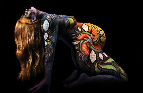Pictures Of Pregnant Bellies Being Used As A Canvas  (12)