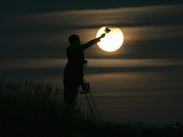 Ways Laurent Laveder Used The Moon Creatively (7)