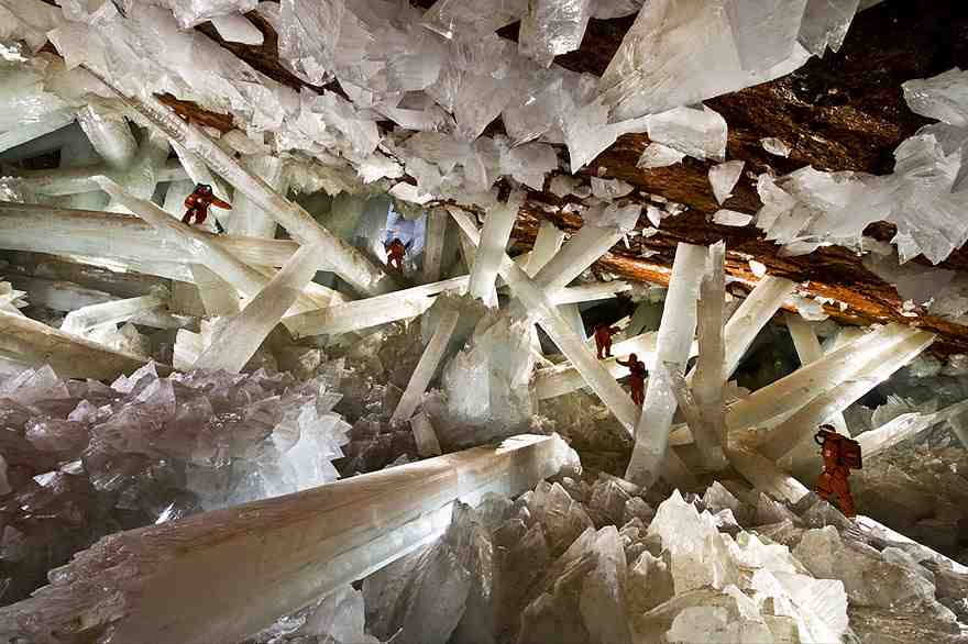15-caves-from-around-the-world-thatll-make-you-explore-one-right-away-3