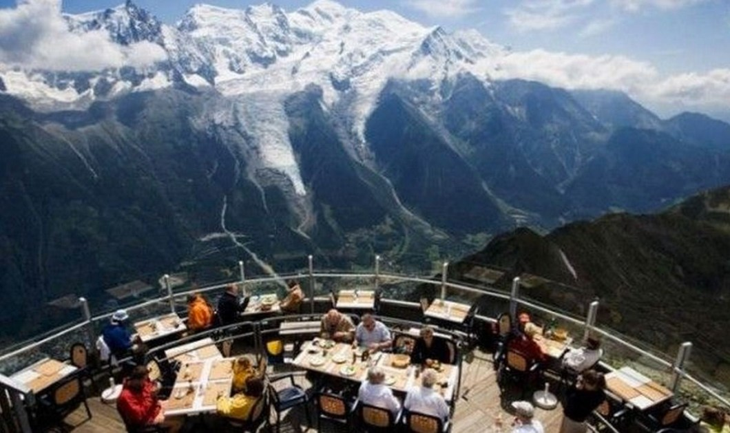 25 Restaurants You Should Visit Just For The View They Offer (16)
