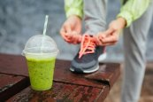 Jogging mit Graspulver Smoothie
