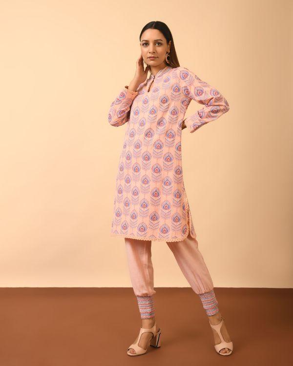 Woman wearing Viscose Cotton Linen Block Print Full Set