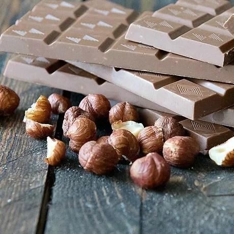 baked-edibles-ChocolateBar-HazelnutCrunch-grass-chief