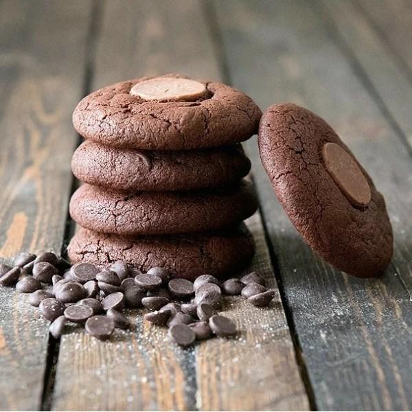 Cookie-DoubleChocolate2-grass-chief