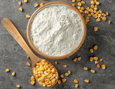 Maniok-, Bohnen- und Maismehl
