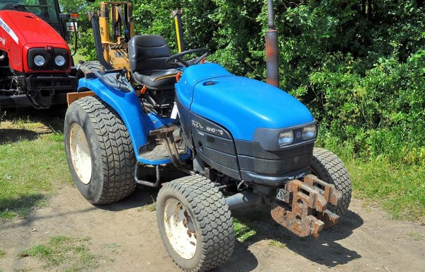 New Holland TC27-D