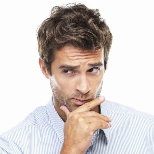 мужчина размышляет фото