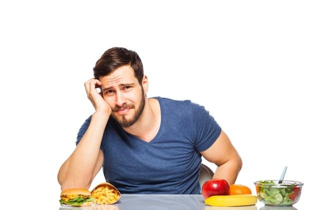 мужчина голодный