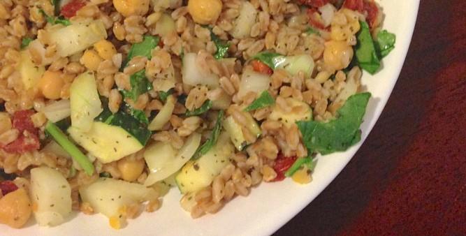 Mediterranean Sun-Dried Tomato Farro Salad | The Grateful Grazer | www.gratefulgrazer.com