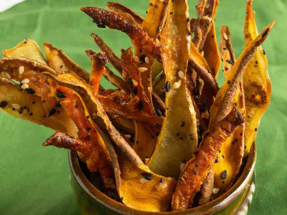 dried veggie strips in mason jar